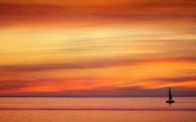 Картинка море, небо, облака, лодка, вечер, зарево, парус