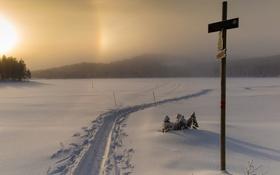 Обои зима, снег, закат, туман, крест