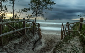Картинка дорога, море, закат, забор