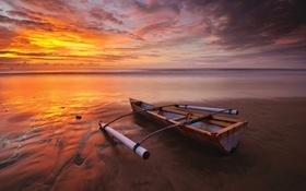 Обои пляж, облака, восход, утро, горизонт, каноэ