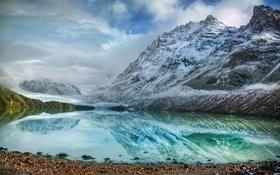 Обои ледник, камни, отражение, озеро, горы, облака