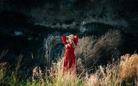 Картинка трава, красное, платье, блондинка, Jamy Faeth