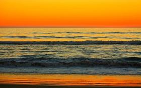 Обои зарево, прибой, берег, небо, волны, море