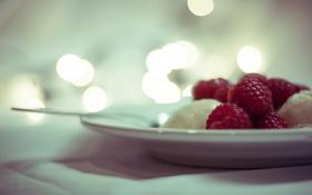 Обои ягоды, малина, тарелка