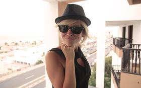 Картинка девушка, шляпа, очки, girl, woman, Ольга Вастикова, Olga Vastikova