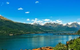 Обои город, поселок, горы, снег, небо, озеро