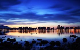 Обои горы, город, огни, озеро, дома, вечер, Китай