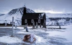 Обои зима, девушка, кладбище