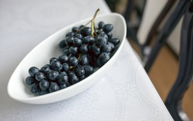 Обои стол, тарелка, виноград, миска, скатерть