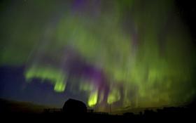 Обои небо, звезды, ночь, северное сияние, домик