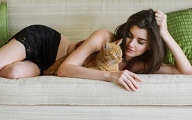 Картинка кот, девушка, диван, модель, Кира