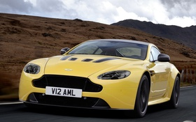 Обои Aston Martin, скорость, supercar, передок, V12 Vantage S