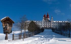 Обои зима, снег, дом, башня, купол, монастырь, святилище