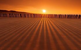 Картинка пляж, пейзаж, закат, природа, опоры