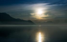 Обои море, солнце, облака, горы, дымка