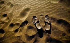 Картинка песок, дюна, пляж, тапки, золотистый