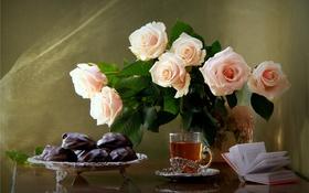 Обои чай, розы, букет, печенье, книга, натюрморт