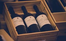 Обои вино, три, бутылки