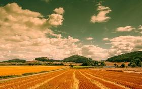 Обои дорога, поле, небо, облака, озеро, холмы, сельская местность