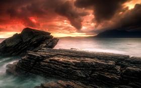 Обои море, облака, закат, горы, скалы, залив