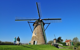 Обои небо, трава, люди, ветряная мельница