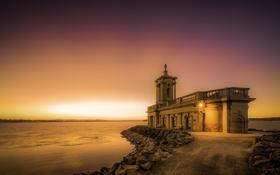 Обои закат, озеро, церковь