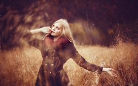 Картинка поле, осень, блондинка, field, autumn, боке, bokeh