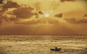 Картинка каноэ, море, лодки, рыбак, солнце, горизонт, облака