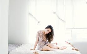 Картинка девушка, кровать, руки
