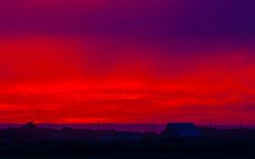 Обои закат, облака, крыша, небо, зарево, дом