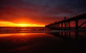 Обои волны, пляж, небо, восход, люди, горизонт, пирс