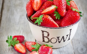 Обои white, summer, bowl, dessert, strawberries