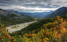 Картинка осень, лес, облака, деревья, горы, ручей, Франция