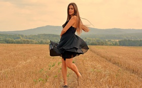 Картинка поле, природа, улыбка, платье