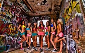 Картинка graffiti, девушки, girls, граффити, кеды, sneakers, Sneak Joint