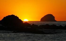 Обои море, закат, горизонт, островок, оранжевое небо
