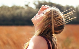 Обои brown, outdoor, brunette, longhair, blonde, girl, headband