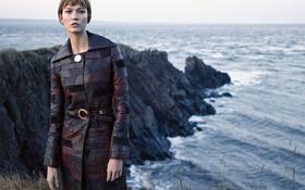 Картинка Vogue, плащ, на природе, Karlie Kloss, прическа, море, скалы