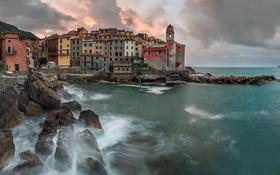 Картинка море, тучи, скалы, башня, дома, Италия, Лигурия