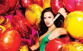 Картинка нож, девушка, demi lovato, шары, красавица, актриса, певица