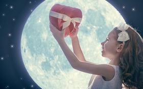 Обои любовь, луна, сердце, девочка, love, heart, romantic