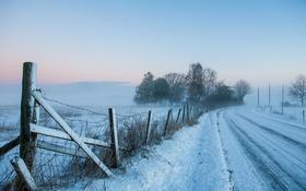 Картинка дорога, снег, забор, утро