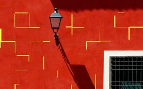 Обои стена, тень, решетка, окно, фонарь