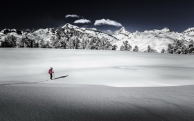 Обои горы, снег, человек