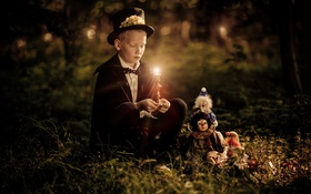 Обои малчик, настроение, свеча, игрушки