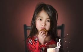 Обои девочка, взгляд, еда