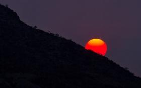 Картинка солнце, закат, гора, склон