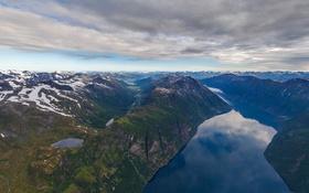 Обои облака, снег, горы, Норвегия, фьорд, Hellesylt