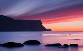 Картинка море, небо, облака, горы, камни, скалы, зарево