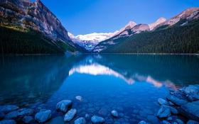 Обои дно, камни, озеро, горы, деревья